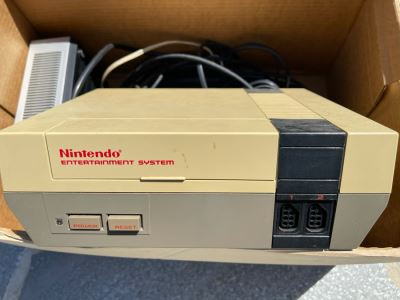 Vintage 1985 Nintendo Entertainment System Game Without Controllers