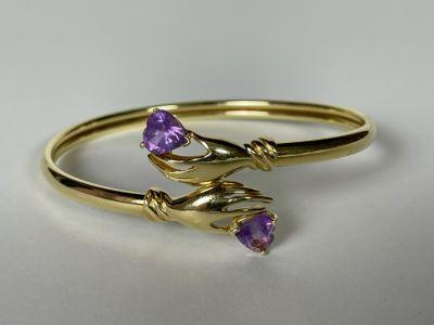 14K Gold Hands Holding Amethysts Bracelet 2.5W 8.2g