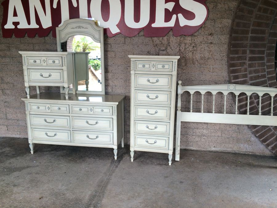 5 Piece Dixie Bedroom Set - (2) Dressers, Mirror, Headboard and ...
