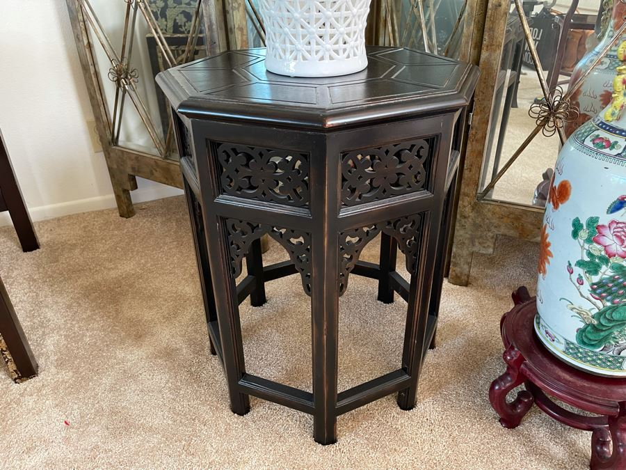 Thomasville Wooden Side Table 20W X 25H