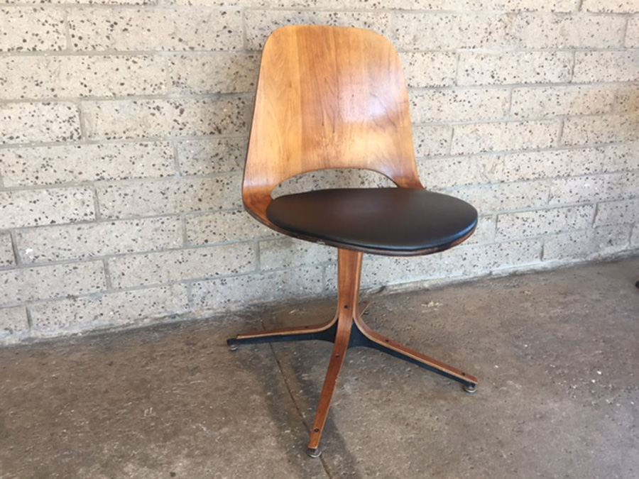 George Mulhauser Plycraft Swivel Chair [Photo 1]