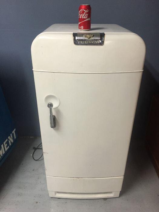 Vintage Retro Frigidaire Fridge Compact Refrigerator Made