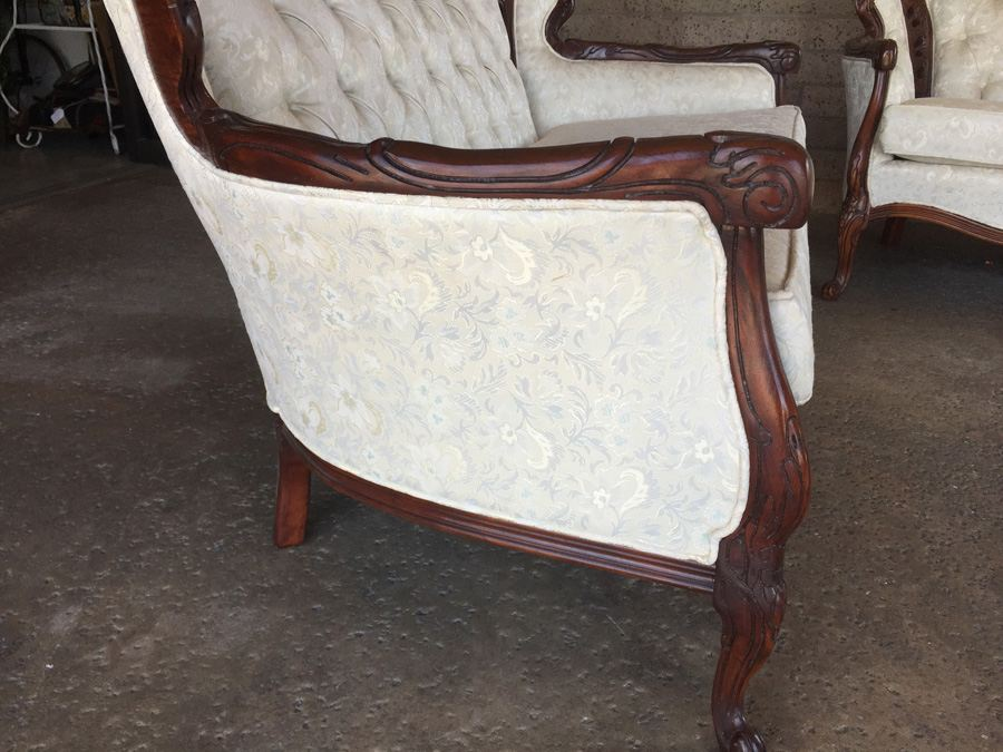 beautiful set of reproduction victorian furniture sofa loveseat
